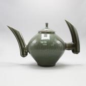 American Museum of Ceramic Art, AMOCA, 2004.2.14.ab, gift of American Ceramic Society